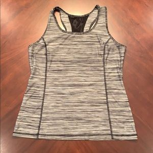 Danskin Now fitted activewear top L